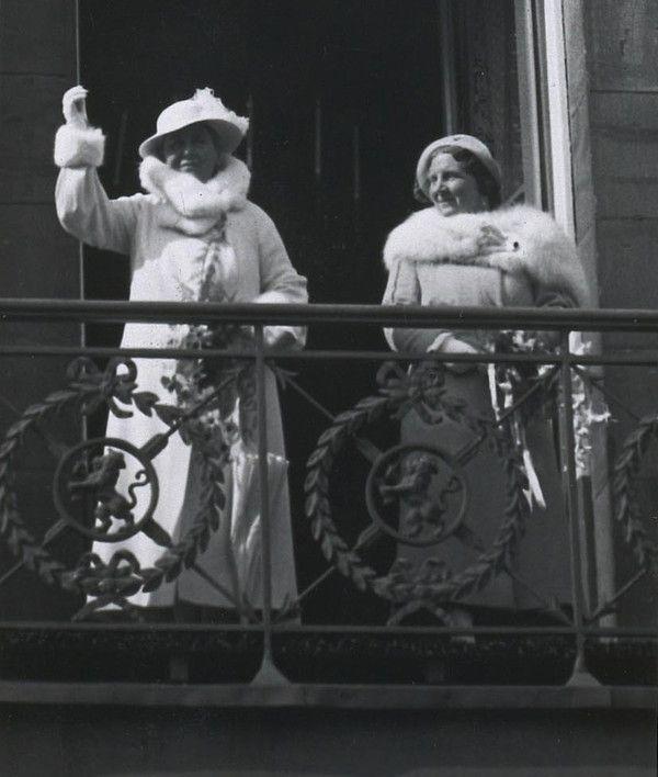 ARCHIVES : les tenues de Whilelmine